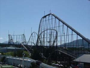1024px-Fujiyama_rollercoaster_2005-05