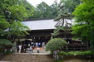1280px-Kawaguchi-asama-jinja_haiden-2