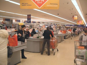 800px-Supermarket_check_out