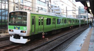 JR_East_E231_Yamanote_Line_50th_9330G_20130119
