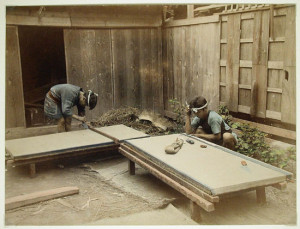 Men_Making_Tatami_Mats,_1860_-_ca._1900