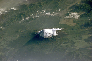 Mt_Fuji_NASA_ISS002-E-6971_large