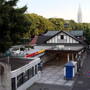 Harajuku_station_OmoteSando-guchi_2008_August
