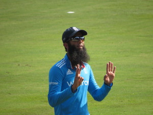 Moeen_Ali_during_a_match_against_Sri_Lanka_at_the_R.Premadasa